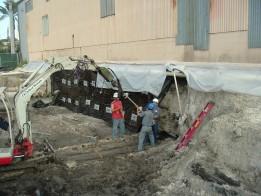 Ausgrabungen Spundbohlen Wände